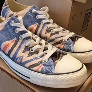 Converse Aztec Design Men's 10.5 Women's 12.5 New!